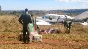 Dois são condenados em caso de avião de cocaína interceptado em Goiás