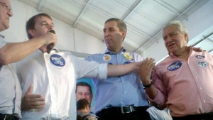 Sete prefeitos do PMDB foram ao encontro que lançou pré-candidaturas de José Eliton, a vice, e Vilmar Rocha, ao Senado