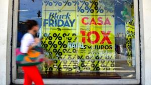 Procon autua 40 lojas físicas e 14 sites por irregularidades na Black Friday em Goiás