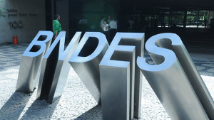 """Vamos entrar na era dos juros baixos"", diz presidente do BNDES"
