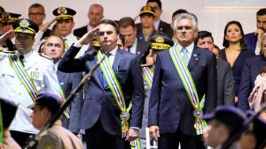 """Bolsonaro se irrita e encerra coletiva em Goiânia. """"Pergunta idiota"""", diz"""