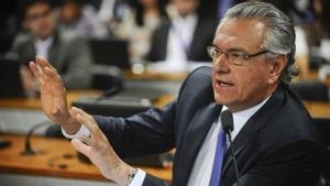 Ronaldo Caiado se omite sobre demissão de médicos em Goiânia