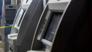 Projeto obriga bancos a manter vigilantes durante funcionamento de caixas eletrônicos