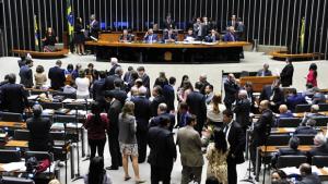 Câmara adia votação do projeto sobre renegociação da dívida dos estados