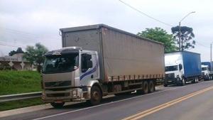 Rodovias recebem mobilização nacional em apoio aos caminhoneiros no combate ao coronavírus