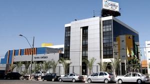 Alunos acusam coordenadora da PUC Goiás de cobrar mensalidades atrasadas em sala