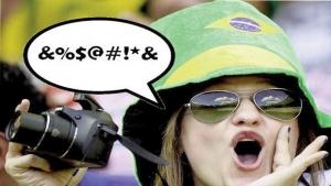 """""""Importação"""" de xingamentos do futebol revela infantilidade da discussão política no Brasil"""