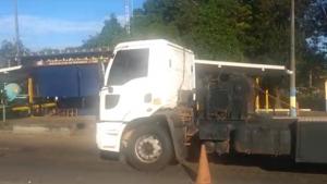 Motorista de carreta bate recorde de teor alcóolico e é preso em flagrante em Goiás