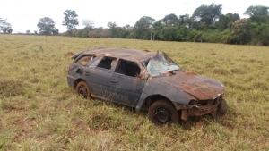 Detento foge de presídio, furta viatura e capota veículo na BR-060