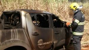 Motorista morre carbonizado após capotamento em rodovia goiana