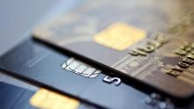 Bancos devem usar cotação do dólar do dia da compra em cartões de crédito