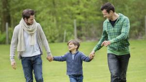 Casais homossexuais poderão adotar crianças na Colômbia
