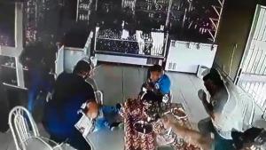Policial Militar morre ao reagir a assalto em restaurante em Goiás. Veja vídeo