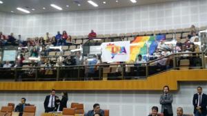 Sob pressão, Câmara rejeita projeto que autoriza criação de conselho LGBT em Goiânia