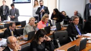 CCJ aprova projeto que obriga agressor a indenizar vítimas de violência doméstica