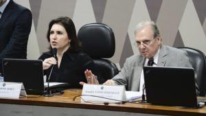 CCJ do Senado aprova texto principal da reforma da Previdência