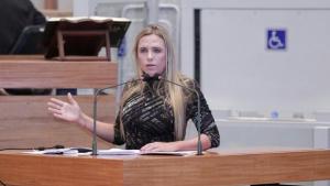 Celina Leão fala sobre doações recebidas pela JBS
