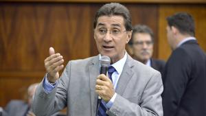 Chiquinho diz que não propôs adesão ao grupo de Caiado pra assumir mandato em 2019