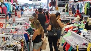 Comércio goiano avança em agosto, mas mantém acumulado do ano negativo