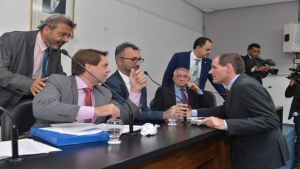 Projeto de privatização de estatais é aprovado na Comissão Mista