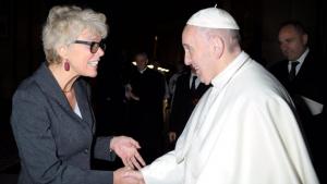 Jornalista brasileira é nomeada vice-diretora de imprensa do Vaticano
