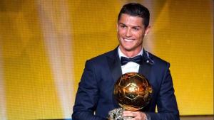 Cristiano Ronaldo supera Messi e Neuer e é eleito o melhor jogador do mundo