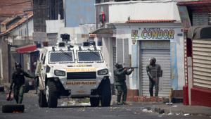 Mourão e Araújo vão a Bogotá para discutir acirramento da crise na Venezuela