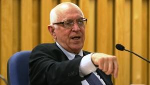 Jurista afirma que afastamento de Cunha abre espaço para contestar impeachment