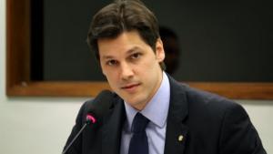 Mesmo podendo prorrogar mandato, Daniel Vilela antecipa eleições do MDB