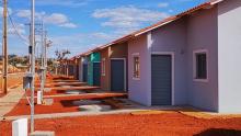 Governo de Goiás e Caixa entregam 101 moradias em Nova Veneza e 34 em Bonfinópolis