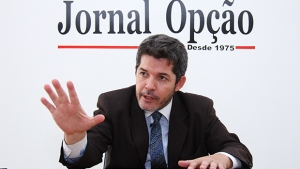 """""""Bomba de Iris foi um traquezinho"""", diz delegado Waldir sobre anúncio de Caiado como secretário"""