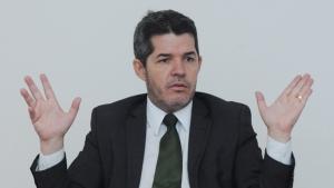 """""""Delegado Waldir é um candidato pipoqueiro que não conhece Goiânia"""", diz deputado do PMDB"""