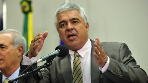 Deputado protesta no Planalto e é expulso da cerimônia de posse de Lula