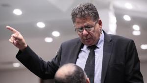 """""""Vai dar calote no Judiciário"""", diz Cláudio Meirelles sobre empréstimo do TJGO a Caiado"""