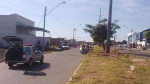 Em Goiás, PM mata jovem, planta arma e drogas e tenta destruir imagens do crime