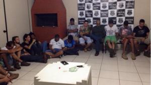 Polícia prende vinte pessoas por tráfico e uso de drogas durante rave na cidade de Mineiros