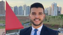 Matheus Ribeiro vai apresentar Jornal Nacional em 2020. Duas vezes