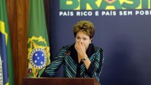 Dilma chora ao receber relatório sobre ditadura militar