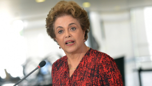 """""""Por que a investigação do Moro seria melhor que a do Supremo?"""", questiona Dilma"""