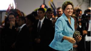 """Em mais um discurso confuso, Dilma saúda a mandioca e fala em """"mulher sapiens"""""""