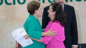"""Rainha """"vira-casaca"""", Kátia Abreu busca sigla para continuar no governo"""