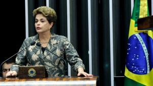 Dilma diz que sofre golpe parlamentar e que processo não veio das ruas