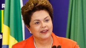 Intenções de voto de Dilma caem novamente, mas Aécio e Campos não sobem