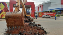 Prefeitura começa obra de galerias pluviais na Avenida Leste-Oeste