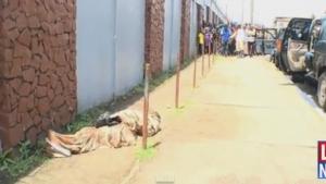 Homem dado como morto pelo vírus ebola se mexe enquanto corpo é recolhido