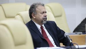 Vereador Elias Vaz (PSB) irá responder tudo sobre relatório da CEI da Saúde na nova TBC