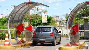 Deputado quer fim da cobrança de estacionamento em shoppings e hipermercados
