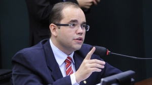 Para Fábio Sousa, pressão popular pode fazer pacote anti-corrupção ser aprovado