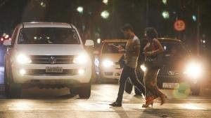 Passa a valer na próxima semana resolução que permite multar pedestres e ciclistas