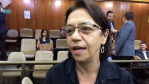 """Vereadores, até do PMDB, sugerem que secretária de Saúde de Iris Rezende é """"nefelibata"""""""